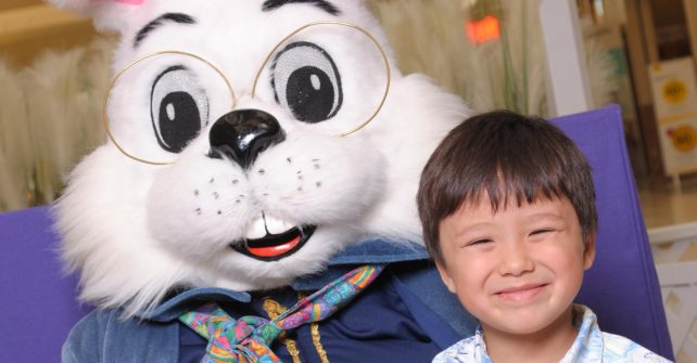 Easter Bunny Photos at Golf Mill